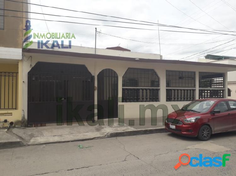 Venta Casa con local comercial Col. Cazones Poza Rica