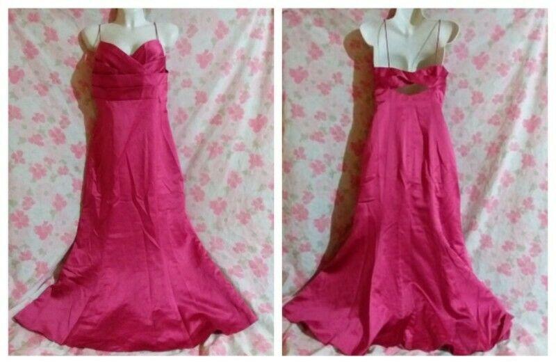 Vestido Largo David's Bridal Talla 8(M) COLOR CARMIN