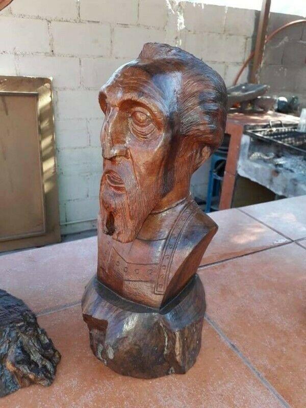 Escultura de Don Quijote en fina madera de palo fierro