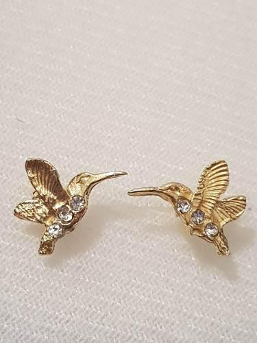 Aretes De Colibri Oro Laminado Con Cristales Estuche Gratis