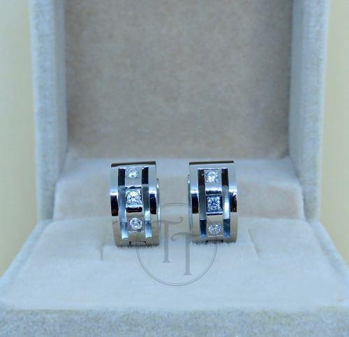 Aretes Huggies Titanio 18k Zirconias Corte Diamante