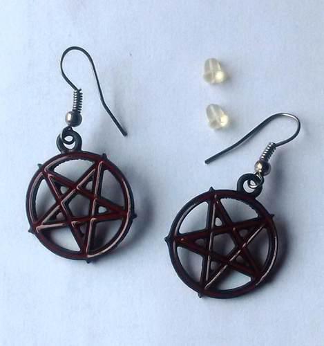 Aretes Pentagrama Invertido
