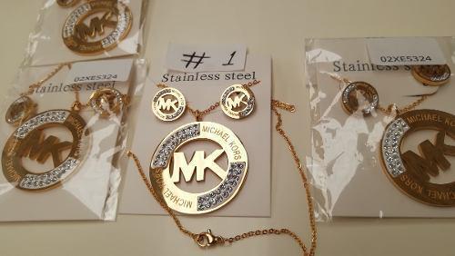 Aretes Y Collar En Acero Laminado En Oro Modelos #1 Al #4