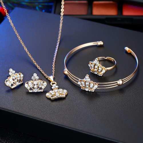 Hermoso Set Aretes,collar,anillo Y Pulsera De Corona 5 Pieza