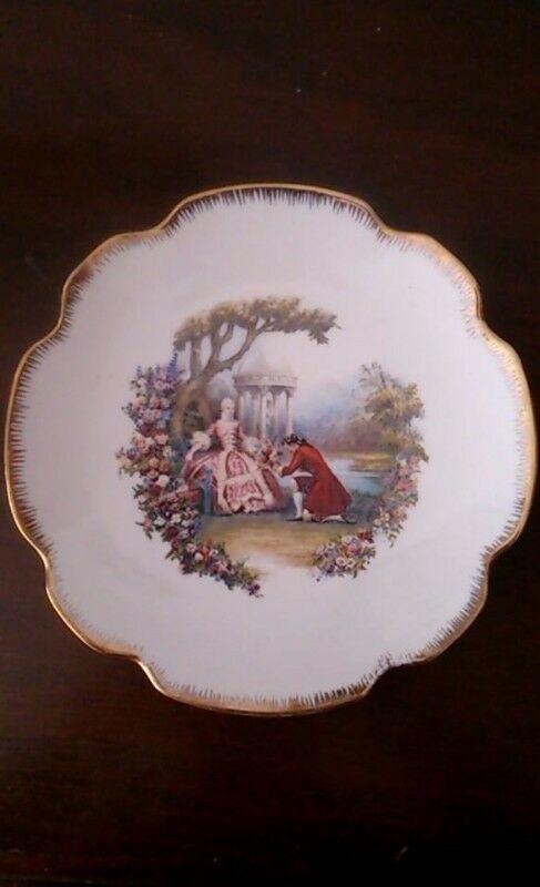 Plato de Porcela Antiguo Pintado a Mano Filo de Oro de 18 Kt