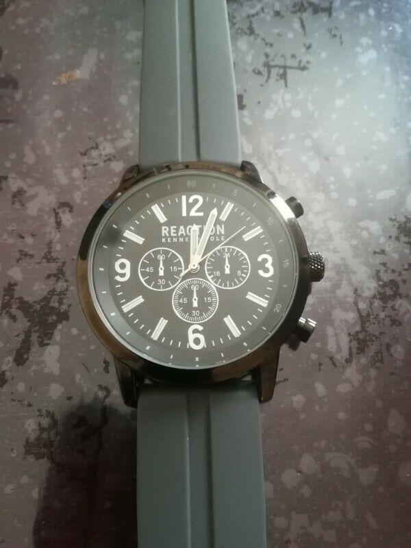 Reloj Kenneth Cole Grey Silicone Watch