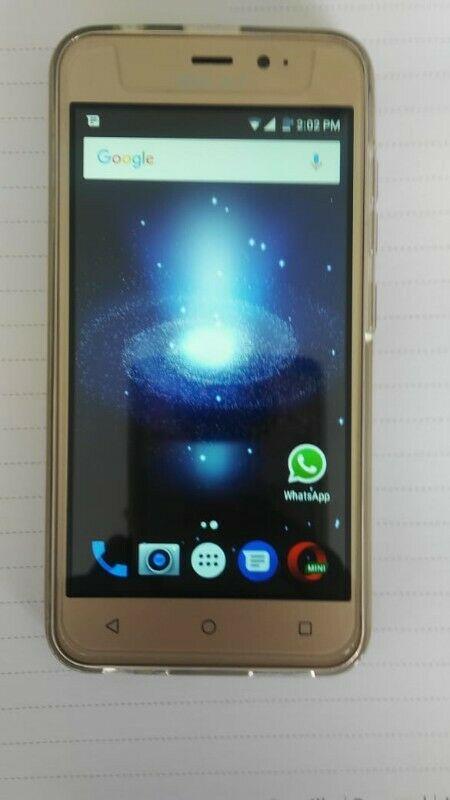 Se vende celular BLU nuevo en su Caja