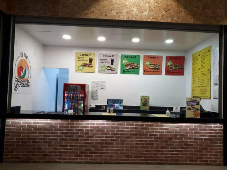 Traspaso de restaurante operando en centro comercial en