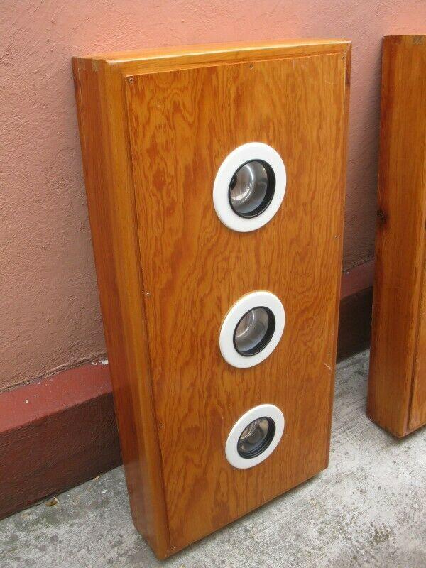 2 Gabinetes de madera para lámparas de plafón, con tres
