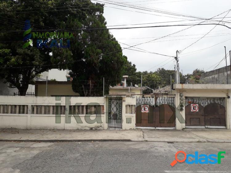 Venta Casa con 4 Departamentos Cazones Poza Rica Veracruz,