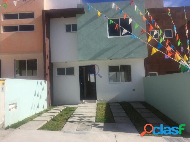 Bonita casa en Venta 3 recamaras acabados semilujo