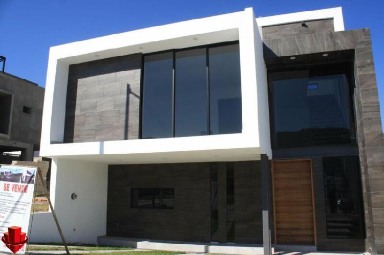 Casa en Venta de 3 recamaras nueva en Los Robles Coto