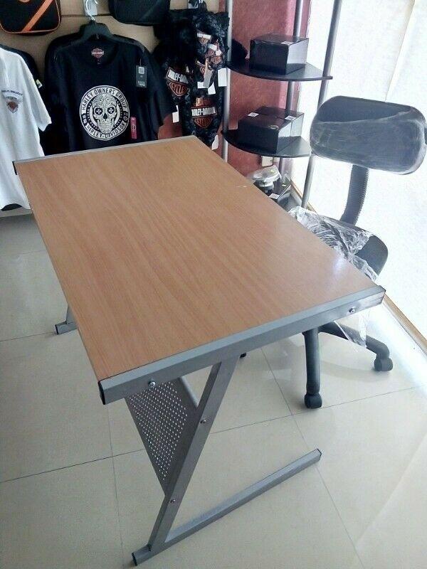 Remato escritorio con silla