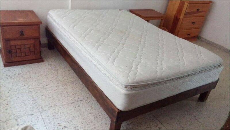 Base de madera y colchón matrimonial (articulo usado)