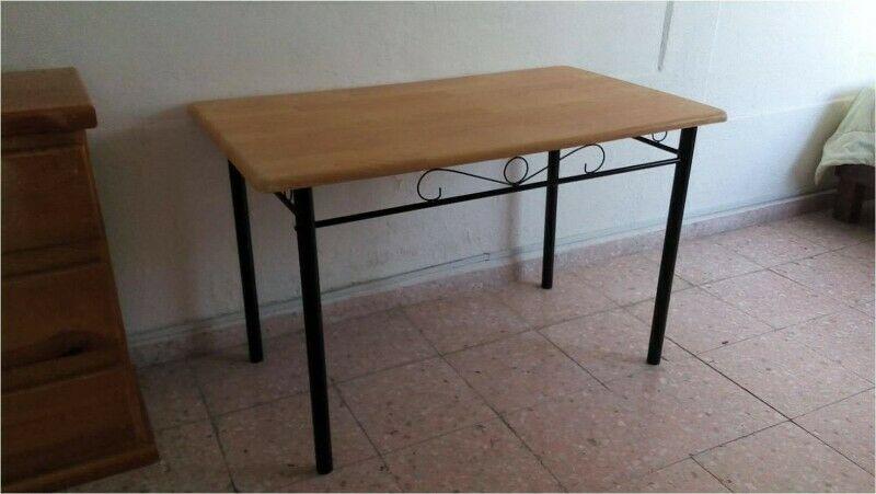Mesa Antecomedor de madera y metal (Usado)