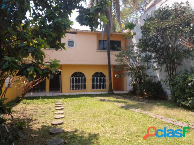 Venta de Casa Sola en Lomas de Cortes Cuernavaca