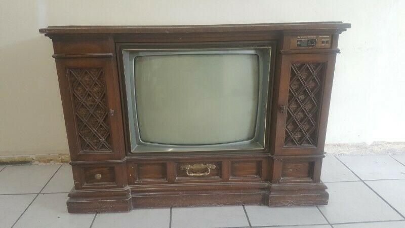 TV Vintage, antigua.