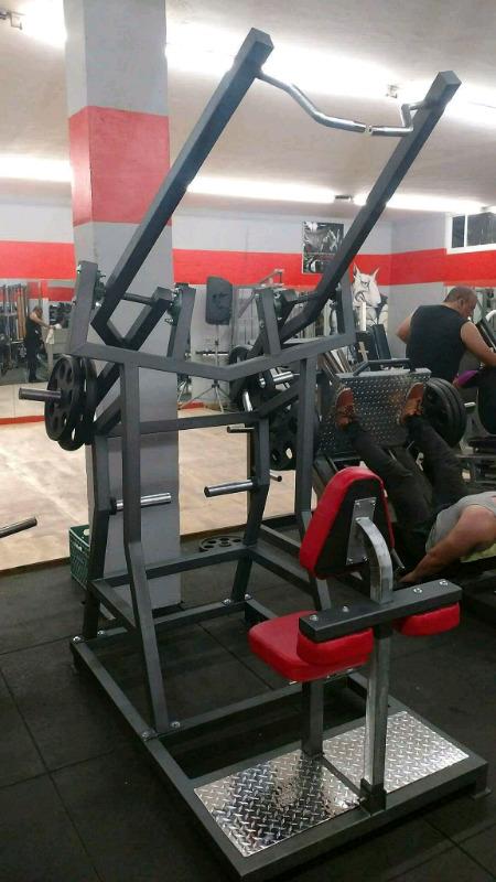 Maquina Pull Down Frontal Articulado Cracken Gym Gimnasio