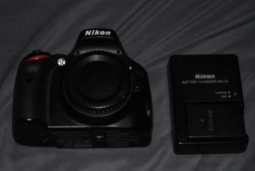 Camara Reflex Slr Nikon Dmp Cuerpo 18mil Disparos