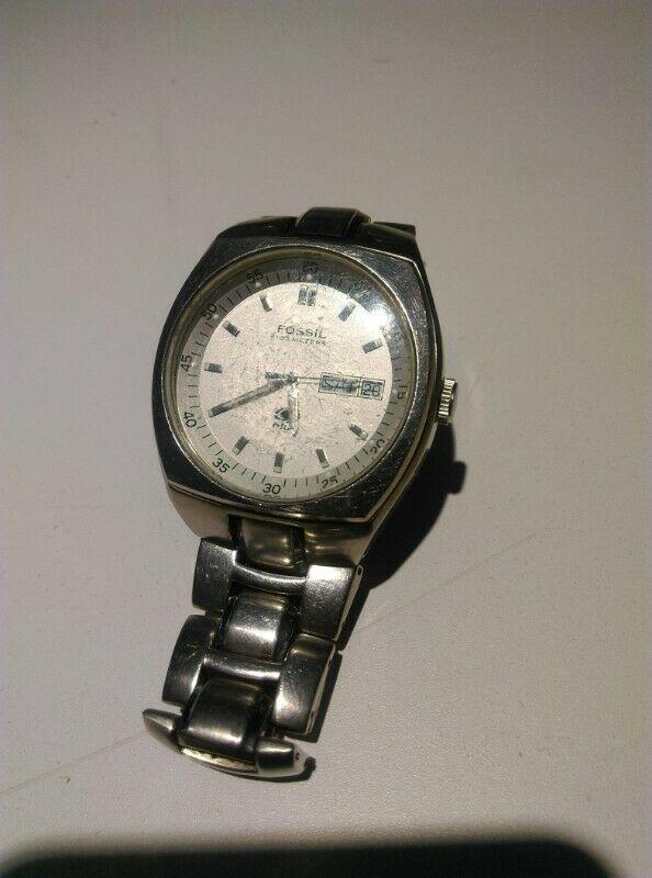 reloj de pulso marca FOSSIL