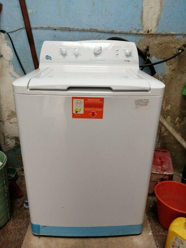 Se vende lavadora Easy 17 kg