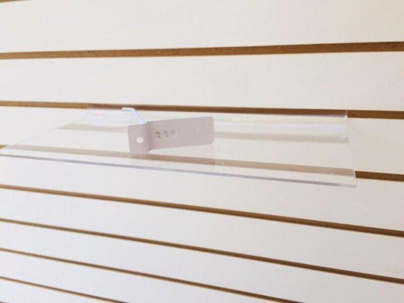 Se venden paneles y accesorios para panel ranurado