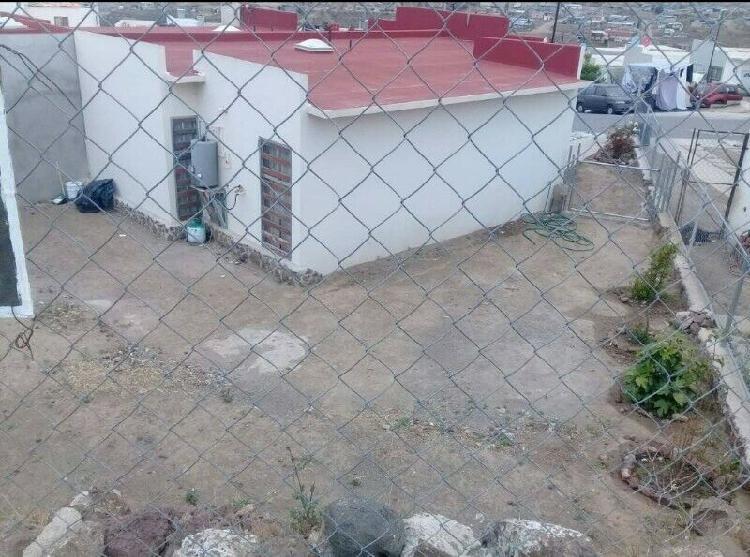 Casa en venta de 3 recámaras en Real de Rosarito por blvd