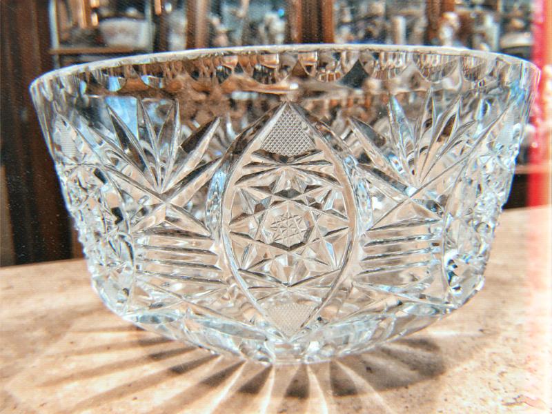 Centro de mesa fabricado en cristal cortado