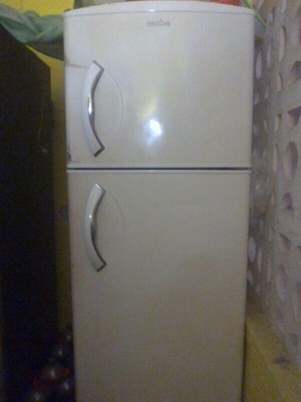 Remato refrigerador Mabe 14 pies/3 funcionando