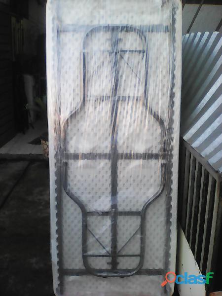 mesas plegables , con cubierta de plástico soplado