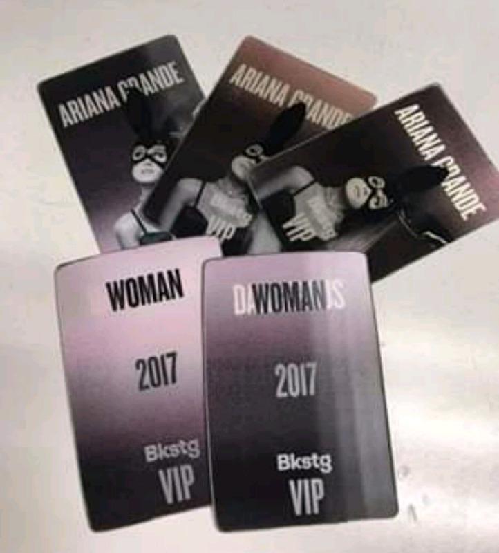 Distintivo VIP 3d Ariana Grande póster tipo vinil