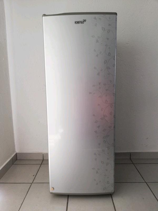Refrigerador Seminuevo 8 pies