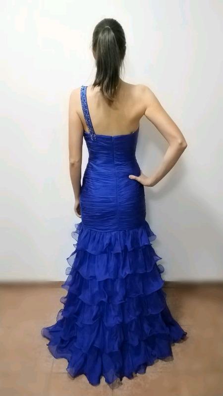 Remato bonitos vestidos de noche talla 6 (chica)