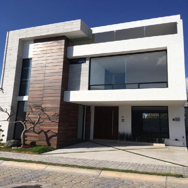 Casa en Venta en zona Cascatta III, Lomas de Angelópolis