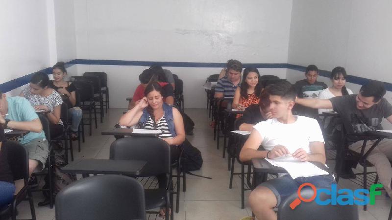 Cursos de Preparación Para el Examen de Admisión al