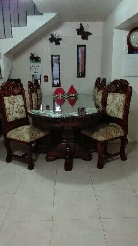 "Bonito comedor de madera ""Parota"" fabricado en Michoacan"