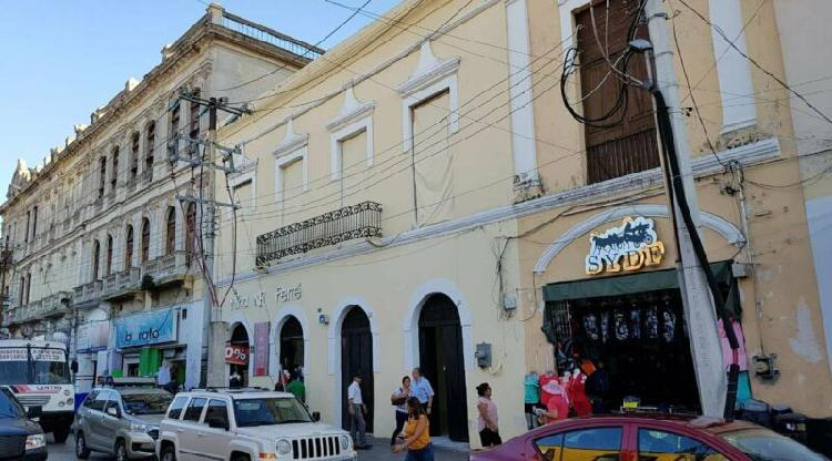 Local comercial en renta en la entrada del mercado