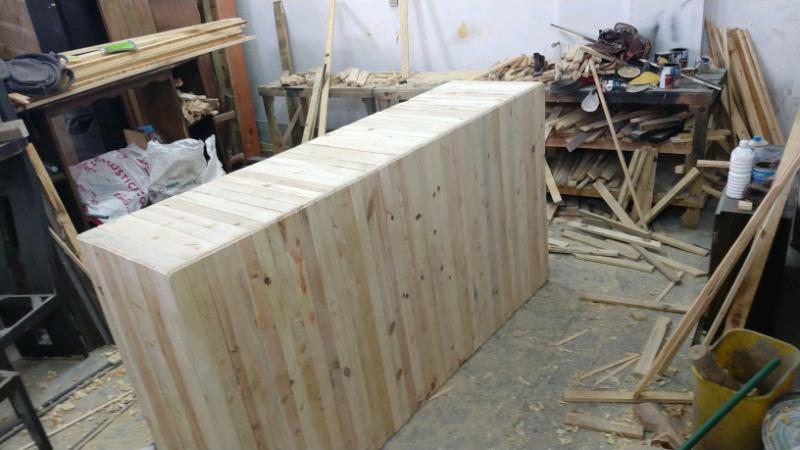 Barra y mostradores de madera sólida