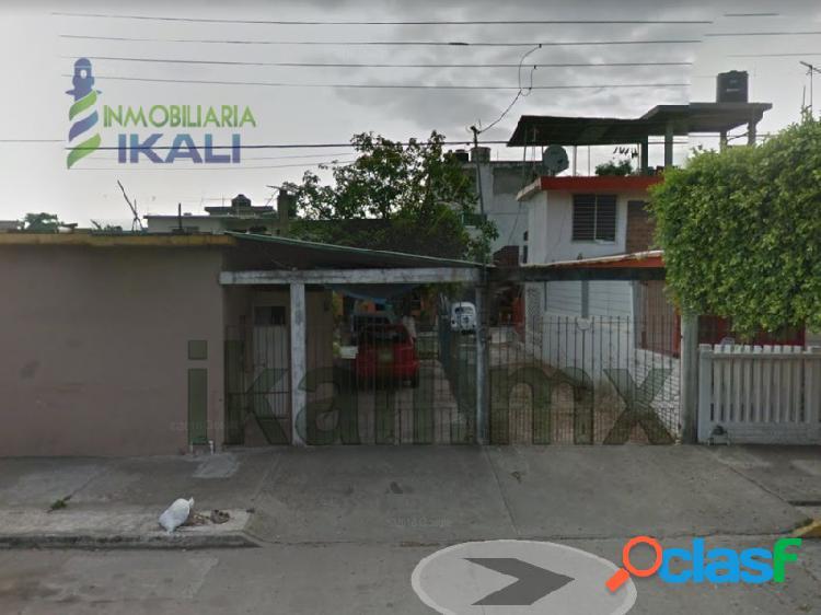 Venta Casa 4 habitaciones Col. Tajin Poza Rica, Tajin