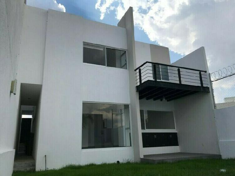 Casa en renta en Cumbres del Lago, Juriquilla. Qro