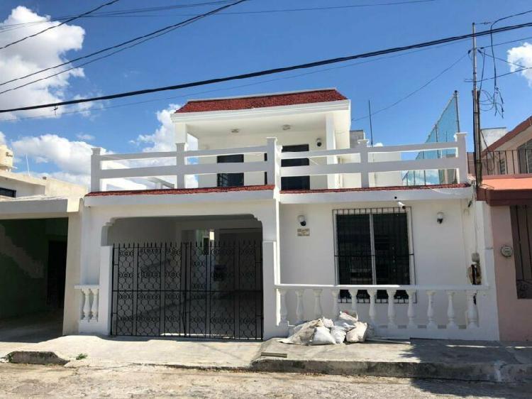 Casa en venta en Mérida, cerca de Plaza Dorada