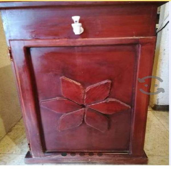 Mueble de madera portagarrafon de agua