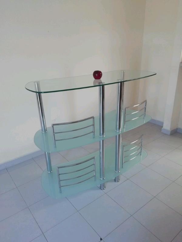 Venta de Mini bar de Vidrio y Aluminio