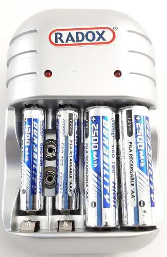 Cargador De Baterías Aa, Aaa Y 9v Incluye: 2 Aa Y 2 Aaa