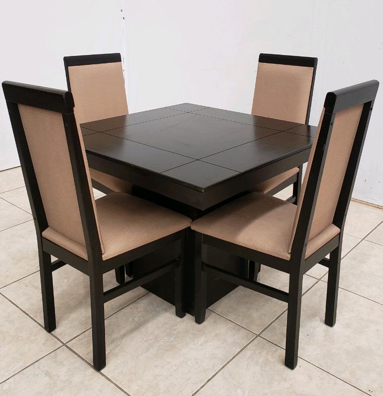 Comedor de 4 sillas