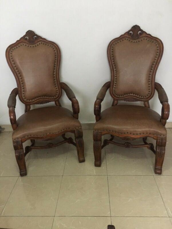 Jgo de 2 sillones grandes de brazos respaldo alto de piel