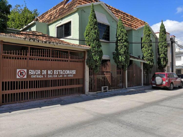 RENTA CASA DE 3 RECAMARAS Y UN ESTUDIO, ZONA CENTRICA, CD