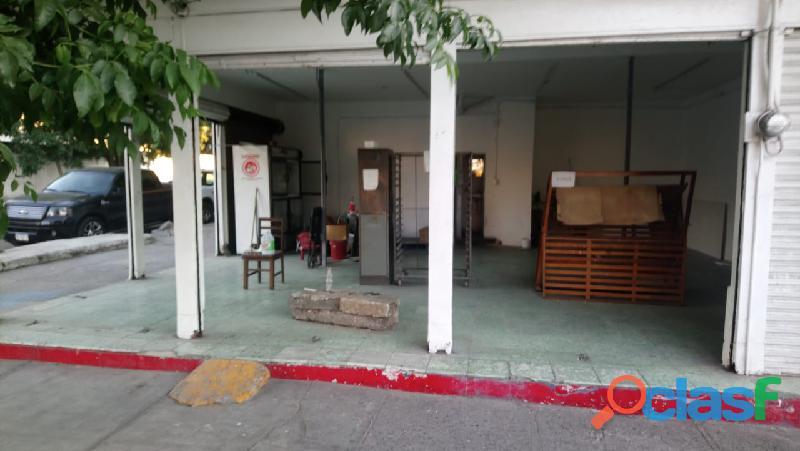Rento local en Av. Alvaro obregon y la 68
