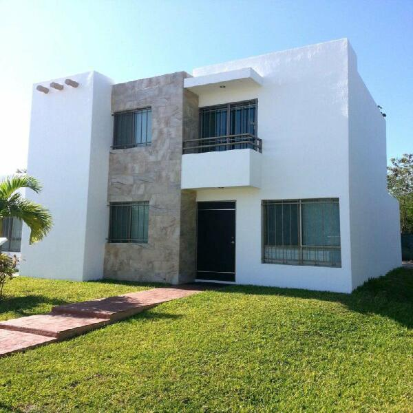 Casa de 3 recamaras y 2 plantas Zona Oriente Mérida