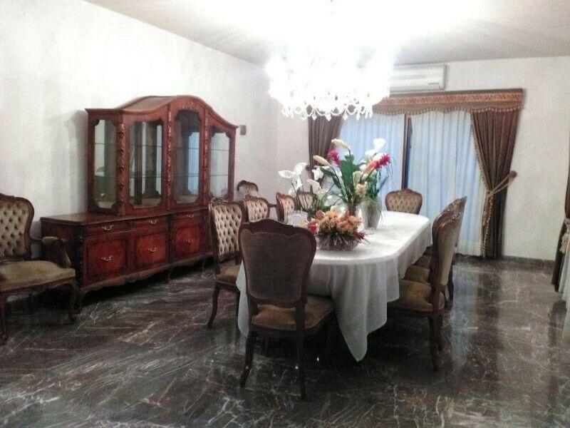 Venta Sala hecha de Caoba y Cedro, 45 años de antigüedad,